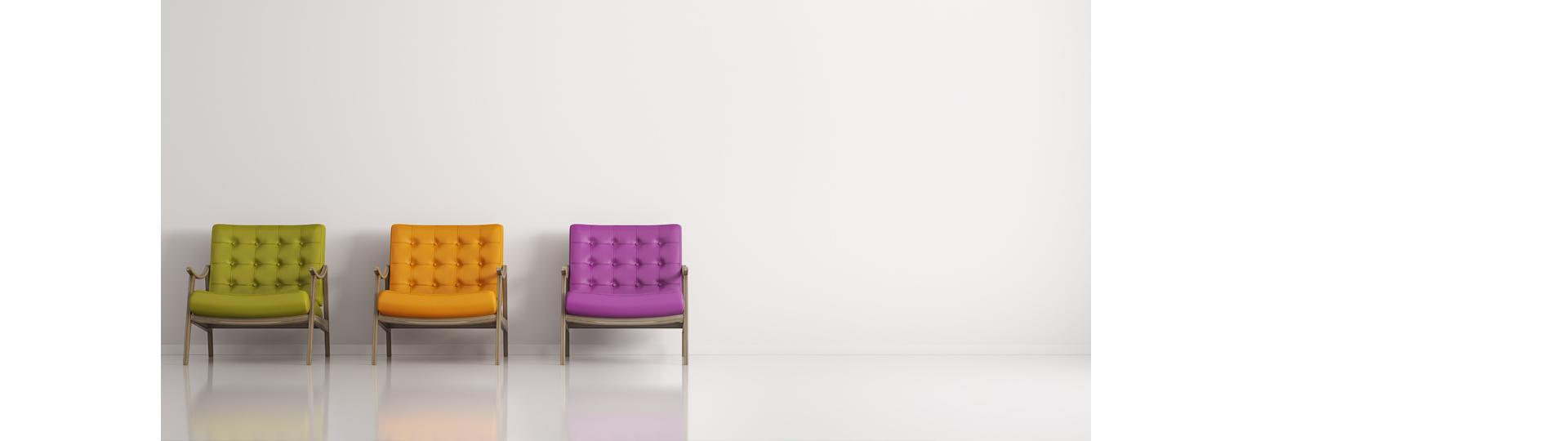 trój kolorowe fotele