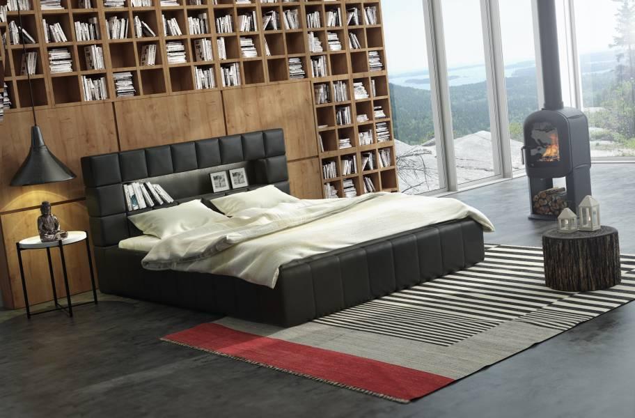 czarne łóżko